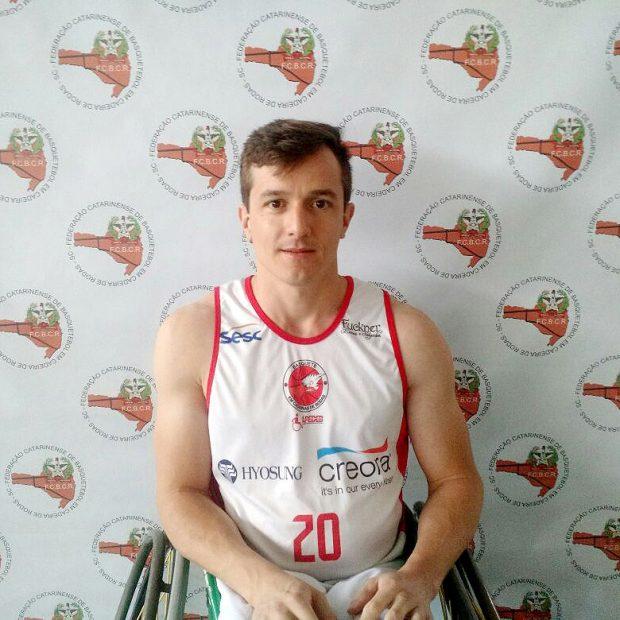 Everson Tomaz - Atleta da APEDEB